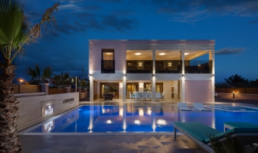 Luxury Four bedroom villa with private pool and sauna for 10 persons AE1170