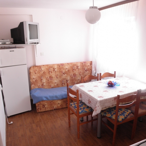 Two bedroom apartment with balcony AE1009